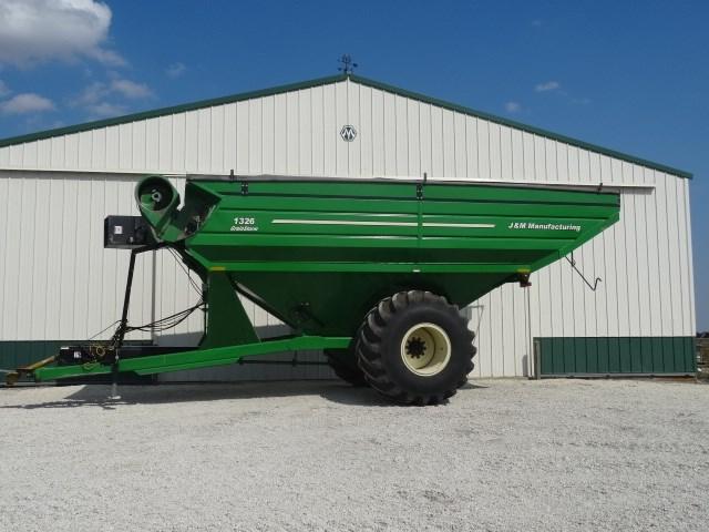 J&M Manufacturing Co. Inc 1326 Grain Cart For Sale