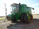 Combine For Sale:  2000 John Deere 9650