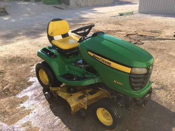 2008 John Deere X320 Riding Mower For Sale