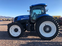 Tractor :  2015 New Holland T7.210