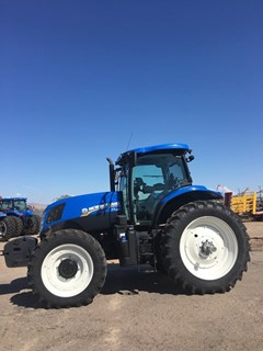 Tractor :  2015 New Holland T7.190
