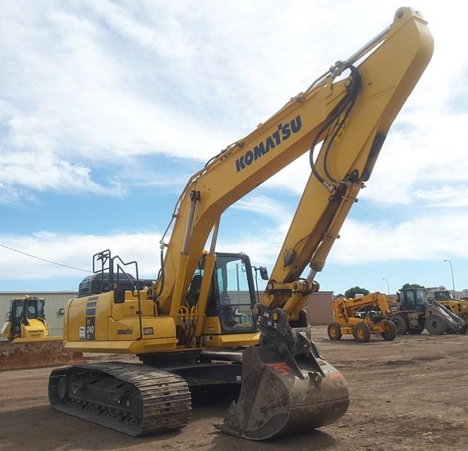 2016 Komatsu PC240LC-11 Excavator For Sale