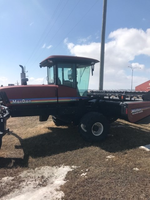 2002 MacDon 9350 Windrower-Self Propelled For Sale