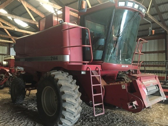1995 Case IH 2144 Combine For Sale