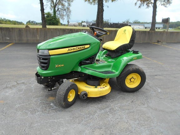 2008 John Deere X304 Riding Mower For Sale