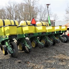 Planter For Sale 1995 John Deere 7200