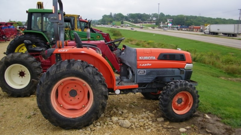 Kubota L4330 Tractor For Sale