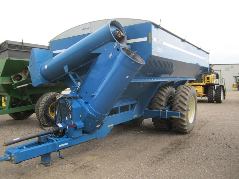 2002 Kinze 1050 Grain Cart For Sale