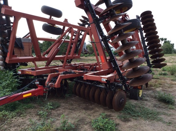 2004 Sunflower 1434-33 Disk Harrow For Sale