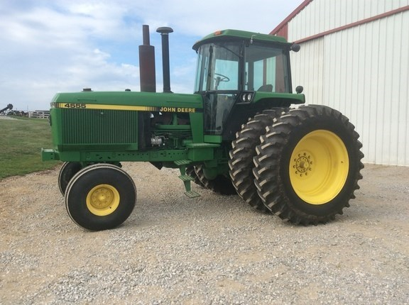 1989 John Deere 4555 Tractor For Sale