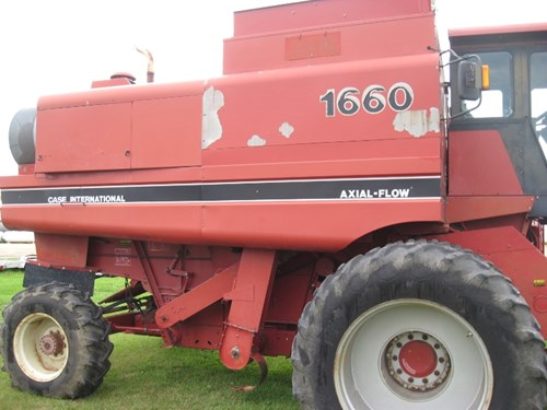 Combine For Sale:  1988 Case IH 1660