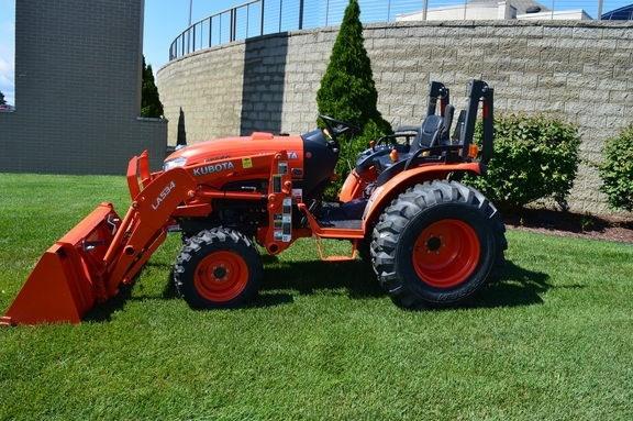 2017 Kubota B3350HSD Tractor For Sale