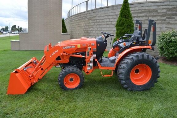 2016 Kubota B3350HSD Tractor For Sale