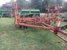 Field Cultivator For Sale:  1995 International 25