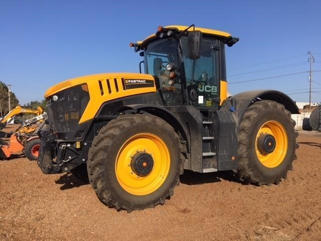 2017 JCB FASTRAC 8330 Tractor For Sale