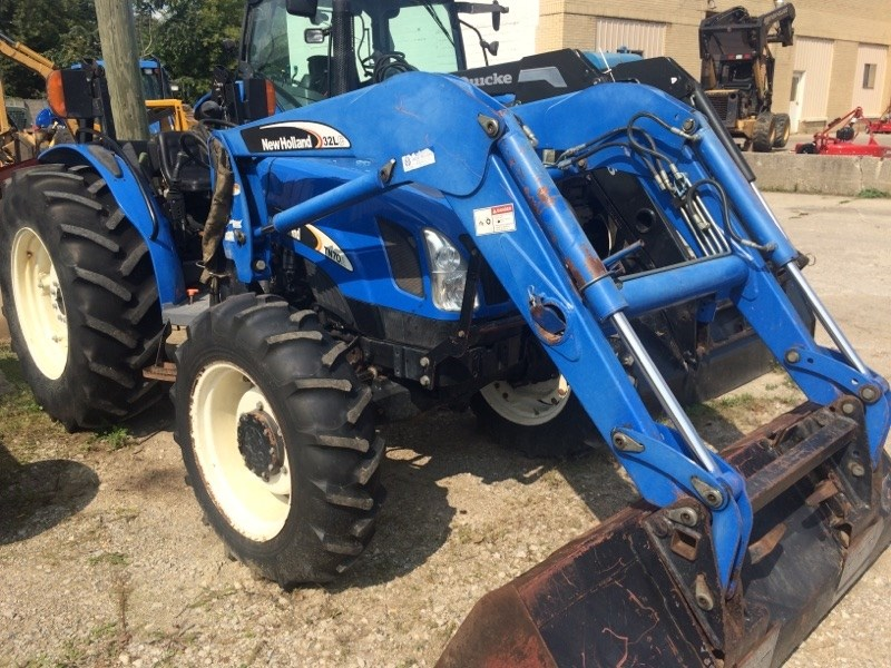 2005 New Holland TN70 Tractor For Sale