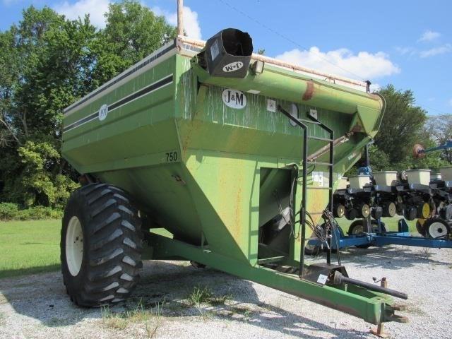 J & M 750 Grain Cart For Sale
