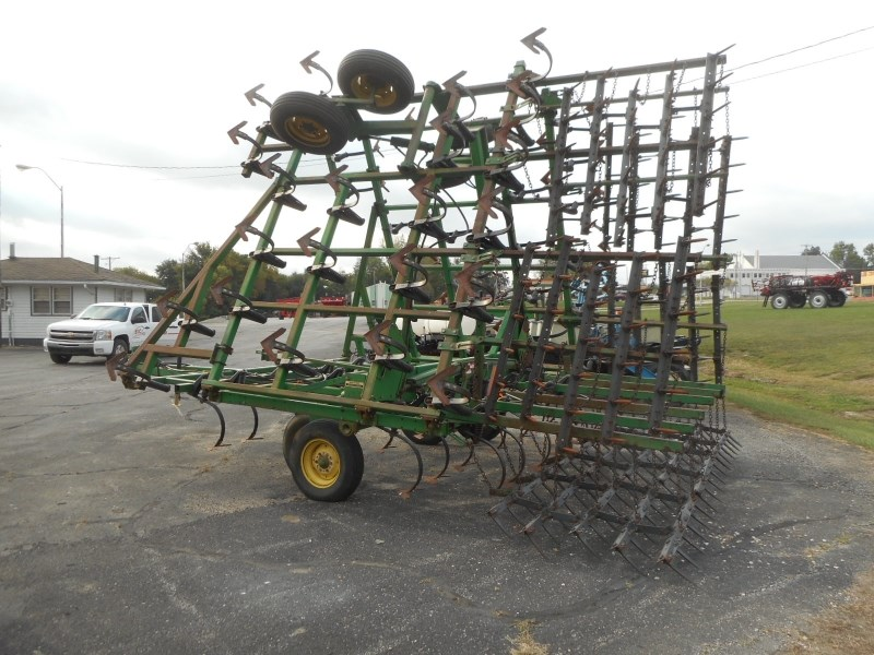 John Deere 960-33 Field Cultivator For Sale