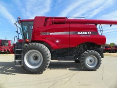 Combine For Sale 2011 Case IH 7088 , 325 HP