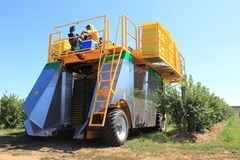 Berry Harvester-Self Propelled For Sale 2017 Oxbo International Corporation 7440