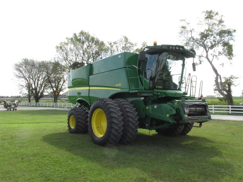 2012 John Deere S670 Combine For Sale