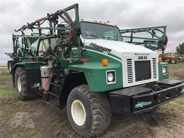 1998 Loral Magnum IV 3000 Sprayer-Self Propelled For Sale