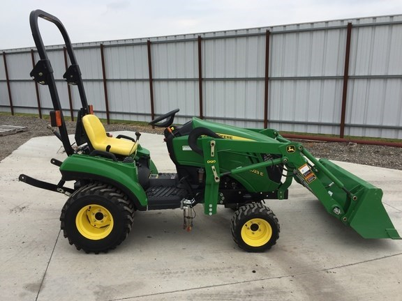 2011 John Deere 1023E Tractor For Sale