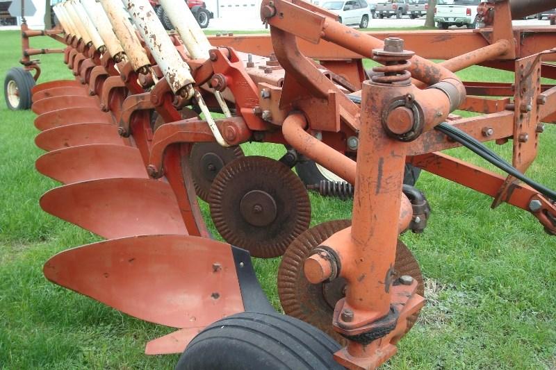 IH 700 Plow-Moldboard For Sale