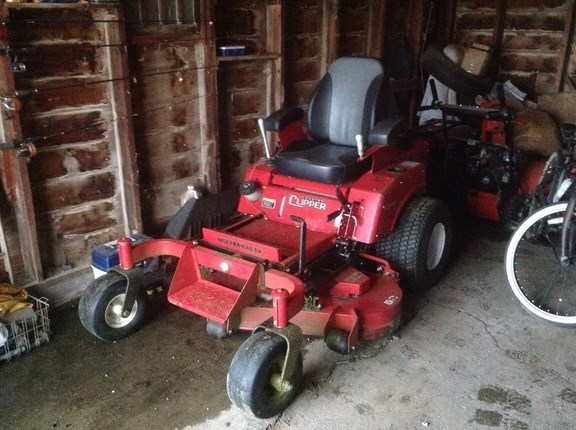 2017 Country Clipper Challenger Riding Mower For Sale