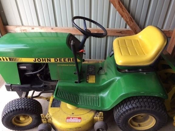 1986 John Deere 111H Riding Mower For Sale