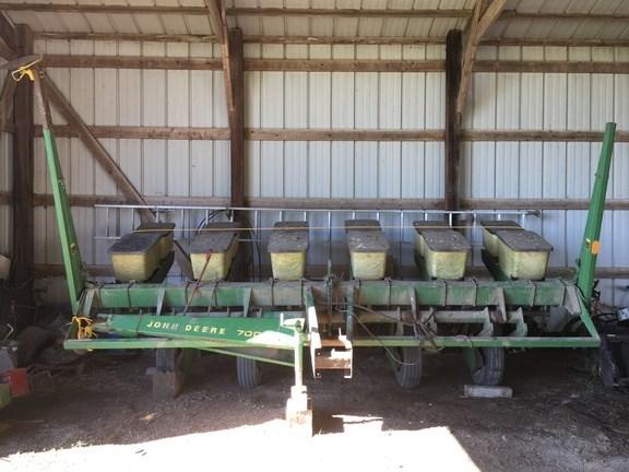 1979 John Deere 7000 Planter For Sale