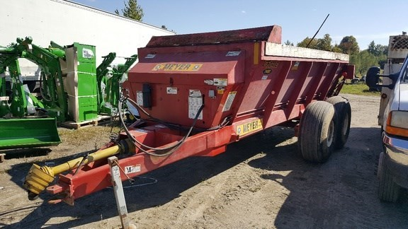 2014 Meyer 7400 Manure Spreader-Dry/Pull Type For Sale