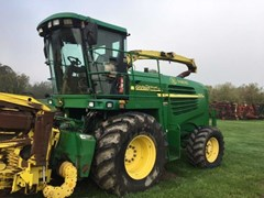 Forage Harvester-Self Propelled For Sale 2005 John Deere 7400