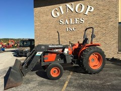 Tractor For Sale:  1998 Kubota M6800 2WD