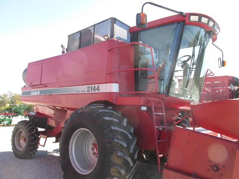 1997 Case IH 2144 Combine For Sale
