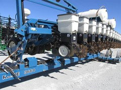 Planter For Sale 2009 Kinze 3660