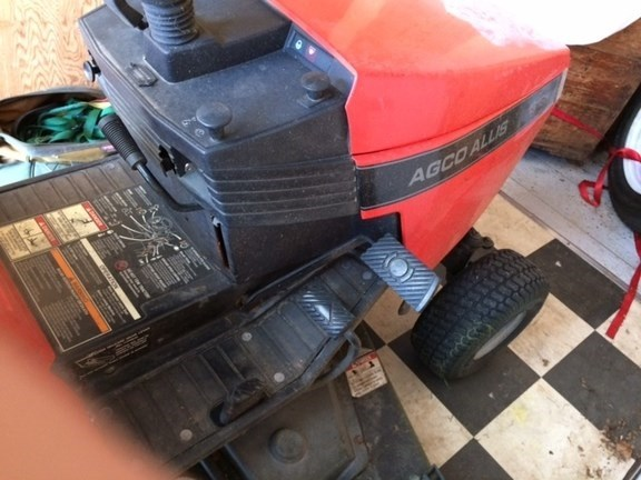 2001 Allis - Chalmers 1616H Riding Mower For Sale