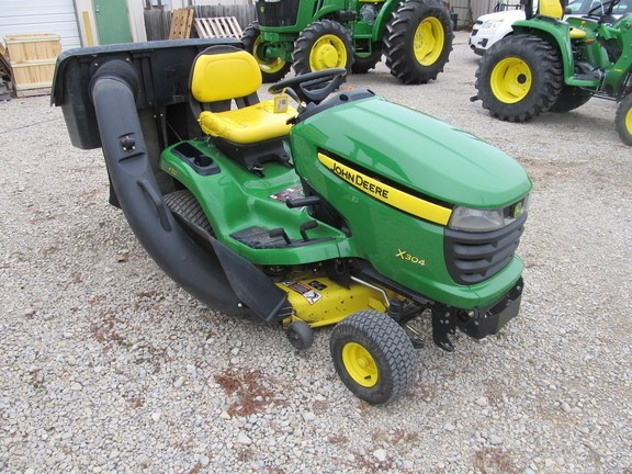 2007 John Deere X304 Riding Mower For Sale