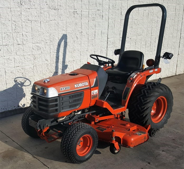 2000 Kubota B7300HSD Tractor For Sale