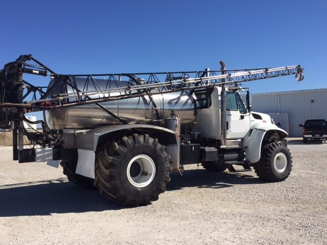 2011 International Precision Floater/High Clearance Spreader For Sale