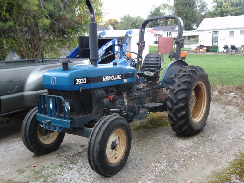 1999 New Holland 3930 Tractor For Sale