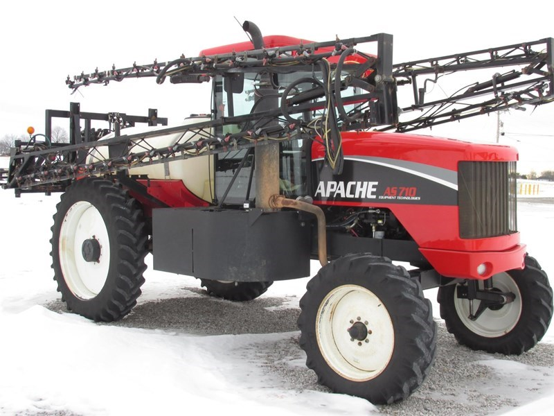 Apache AS710 Sprayer-Self Propelled For Sale