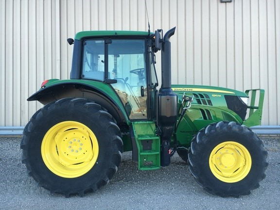 2016 John Deere 6110M Cab Tractor For Sale