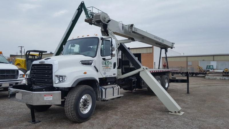 2016 National Crane 8100D Boom Truck