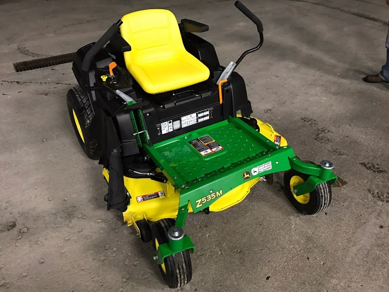 2016 John Deere Z535 Zero Turn Mower For Sale