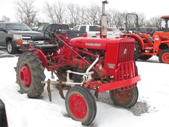 Tractor For Sale 1974 International 140 , 23 HP