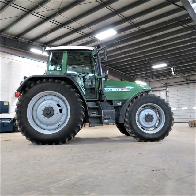 2001 Fendt 712 VARIO Tractor For Sale