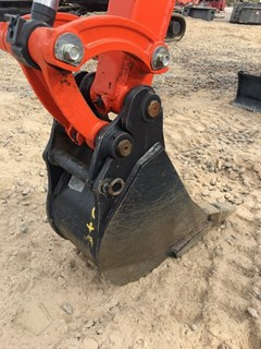Bucket :  Kubota 9IN
