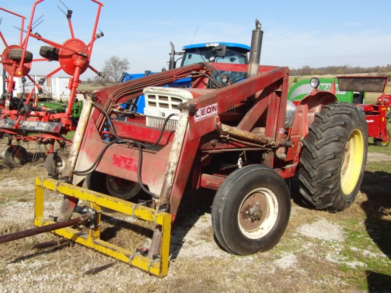 1975 White 1370 Tractor For Sale