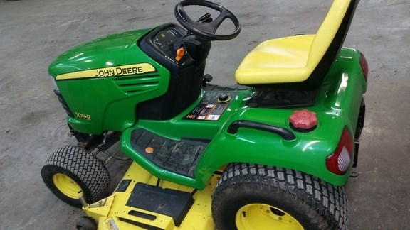 2007 John Deere X740 Riding Mower For Sale